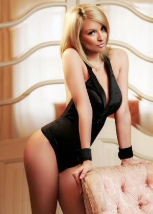 Marie-martine adult dating in Meadowbrook Virginia