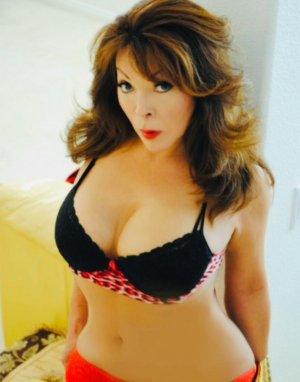 Meriama adult dating in San Gabriel