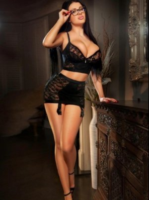 Anne-martine adult dating in Marshall